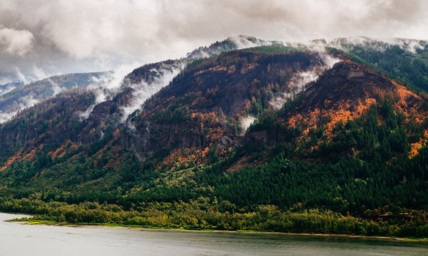 Eagle-Creek-Fire_After-Rain_Sept-18_Daniel-Stindt_5