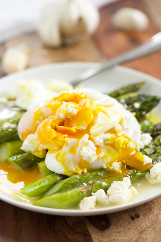 Roasted-Asparagus-with-Lemon-Feta-Vinaigrette-GI-365-6